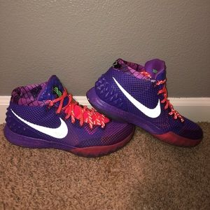 Kyrie 1's, custom ID color way.